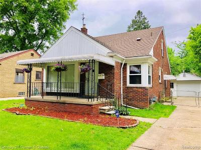 Dearborn Heights Single Family Home For Sale: 8431 Grayfield St
