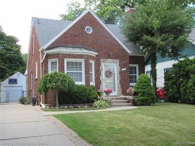 Dearborn Single Family Home For Sale: 1801 N Elizabeth Street
