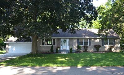 Livonia Single Family Home For Sale: 15539 Fairfield Street