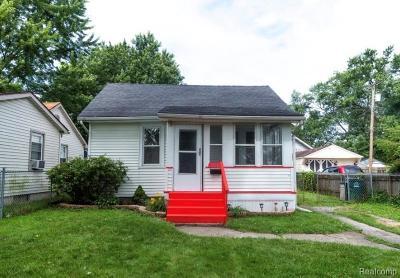 Hazel Park Single Family Home For Sale: 23107 Berdeno Avenue
