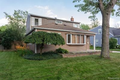 Berkley Single Family Home For Sale: 3878 Robina Avenue