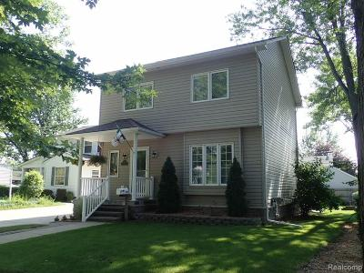 Berkley Single Family Home For Sale: 3506 Thomas