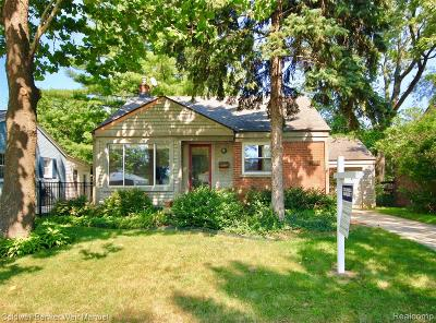 Royal Oak Single Family Home For Sale: 4710 Cooper Avenue