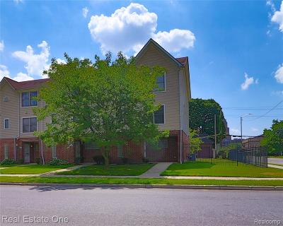 Detroit Condo/Townhouse For Sale: 155 W Euclid Street