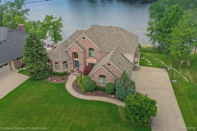 Macomb County, Oakland County, Wayne County Single Family Home For Sale: 1852 Royal Birkdale Drive
