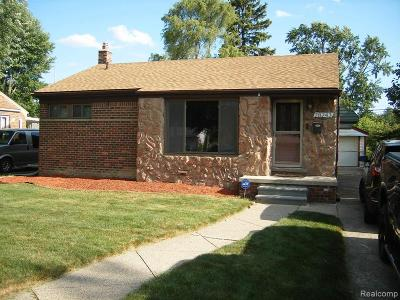 Livonia Single Family Home For Sale: 28243 S Clements Circle
