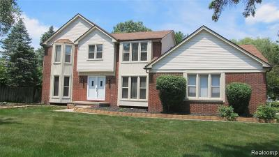 Farmington Hills Single Family Home For Sale: 23319 Derby Lane