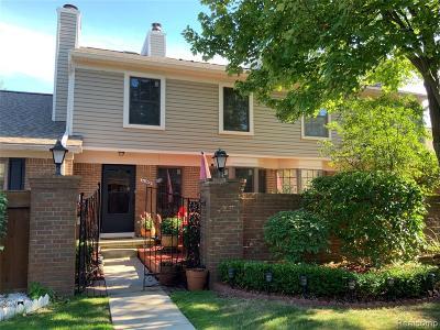 Novi Single Family Home For Sale: 40042 Crosswinds