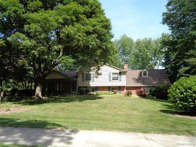 Bloomfield Twp Single Family Home For Sale: 5107 Wing Lake Road