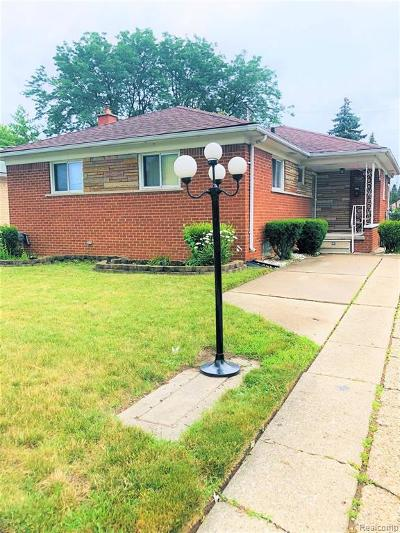 Eastpointe MI Single Family Home For Sale: $147,000