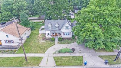 Single Family Home For Sale: 416 S Michigan Avenue