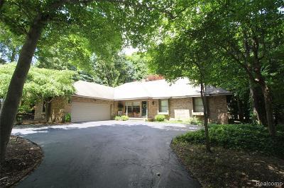 Farmington Hills Single Family Home For Sale: 38650 Northfarm