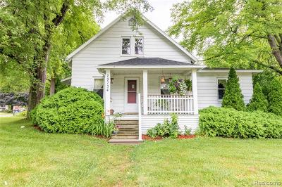 Livonia Single Family Home For Sale: 29734 Bretton Street N