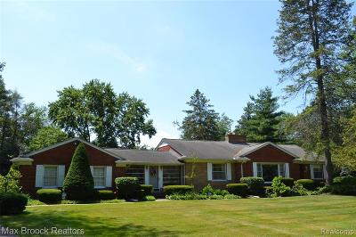 Bloomfield Twp Single Family Home For Sale: 5400 Longmeadow Road