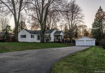 Walled Lake Single Family Home For Sale: 1595 Bolton St Street