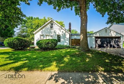 Oakland County Single Family Home For Sale: 21801 Colgate Street