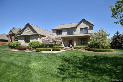 Oakland Twp Single Family Home For Sale: 4511 Boxwood Court