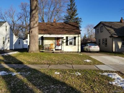 Dearborn Heights Single Family Home For Sale: 24414 Powers Avenue
