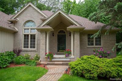 Single Family Home For Sale: 7911 Debora Drive