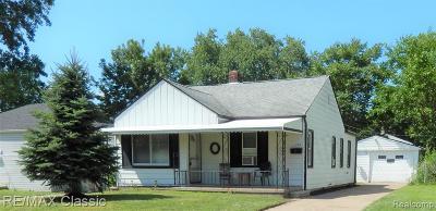 Hazel Park Single Family Home For Sale: 134 W Shevlin Avenue