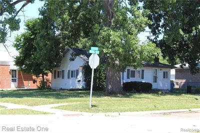 Dearborn Heights Single Family Home For Sale: 24308 Hass Street