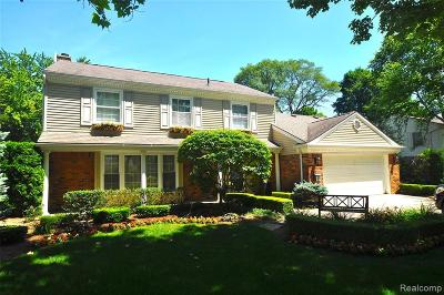Bloomfield Twp Single Family Home For Sale: 3207 E Breckenridge Lane