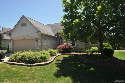 Commerce Twp Single Family Home For Sale: 1770 Dogwood Trail