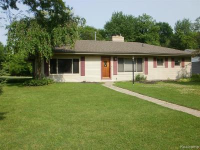 Livonia Single Family Home For Sale: 15968 Doris Street