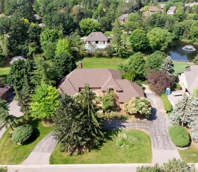 Bloomfield Twp Single Family Home For Sale: 4585 Kiftsgate Bend