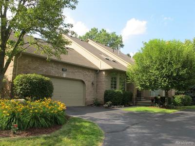 Shelby Twp Condo/Townhouse Contingent - Continue To Show: 2155 Clearwood Court