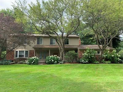 Farmington Hills Single Family Home For Sale: 35033 Old Timber Road