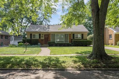 Beverly Hills Vlg Single Family Home For Sale: 31095 W Rutland Street