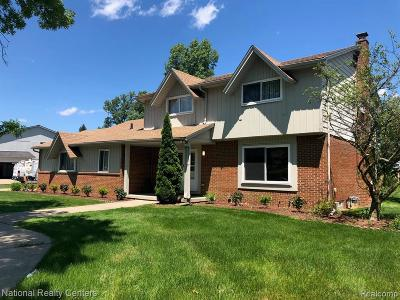 West Bloomfield Twp Single Family Home For Sale: 6119 Wynford Drive