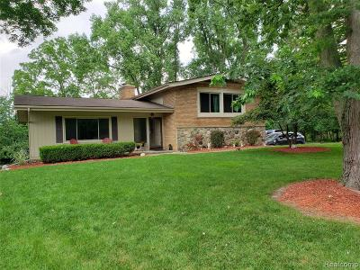 Farmington Hills Single Family Home For Sale: 25879 Dumas Court