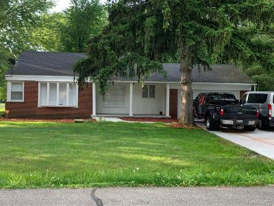 Macomb County, Oakland County, Wayne County Single Family Home For Sale: 16155 Fairview