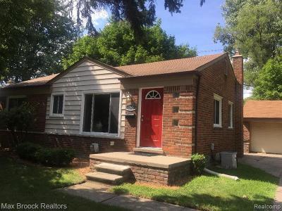 Wayne County Single Family Home For Sale: 30626 Hathaway Street