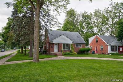 Royal Oak MI Single Family Home For Sale: $189,900