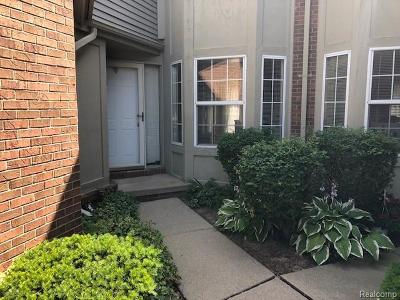 Riverview Condo/Townhouse For Sale: 18756 Hilltop Circle