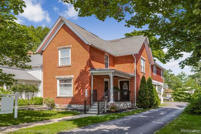 Canton, Plymouth Single Family Home For Sale: 800 Starkweather St