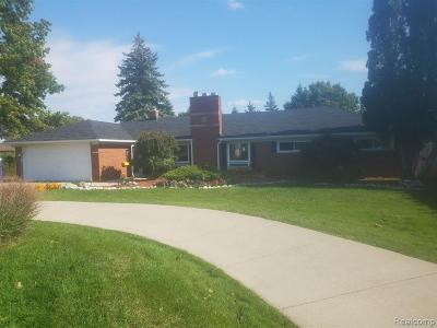 Dearborn Heights Single Family Home For Sale: 1180 N John Daly Road