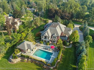 Bloomfield Hills Single Family Home For Sale: 790 Falmouth Drive