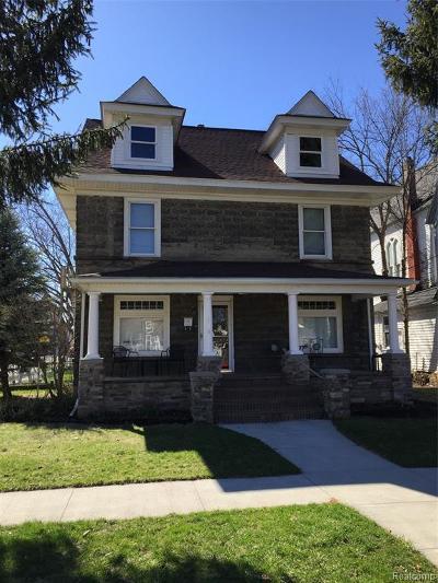 Holly Single Family Home For Sale: 106 John Street