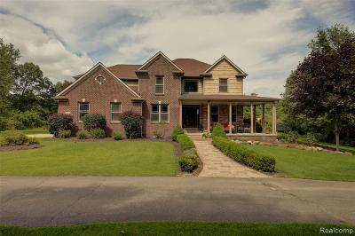 Highland Twp Single Family Home For Sale: 4594 Timberlake Trail