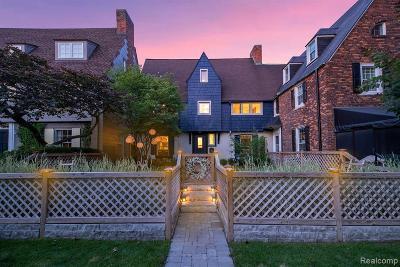 Grosse Pointe Single Family Home For Sale: 420 Rivard Boulevard