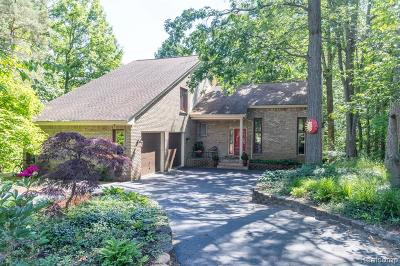 West Bloomfield Single Family Home For Sale: 4534 Rolling Pine Court