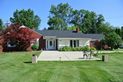 Livonia Single Family Home For Sale: 32820 6 Mile Road