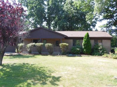 Wixom Single Family Home For Sale: 3015 Shewbird