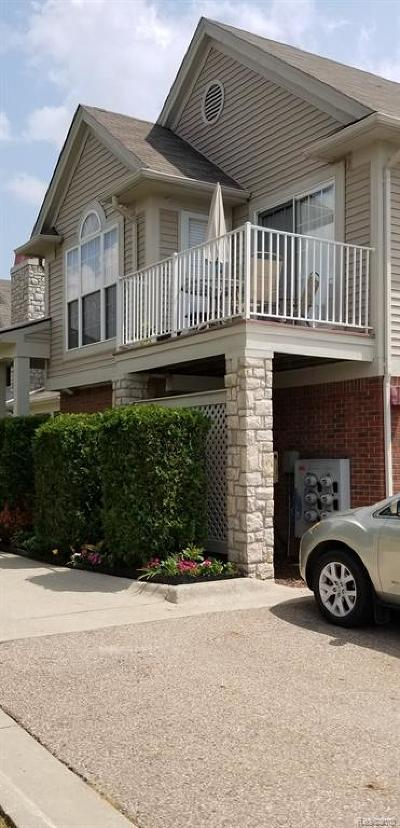 Macomb Twp Condo/Townhouse For Sale: 52037 Naugatuck Drive