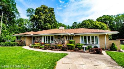 Highland Twp Single Family Home For Sale: 6040 N Tipsico Lake Road