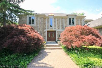 West Bloomfield Twp Single Family Home For Sale: 5220 W Bloomfield Lake Road